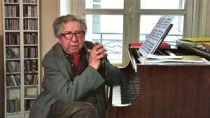 """Le compositeur Henri Dutilleux filmé par Vincent Bataillon pour son film """"Henri Dutilleux: Ainsi la nuit"""""""